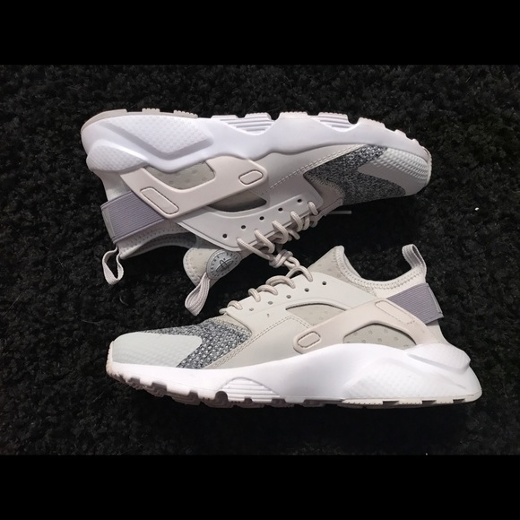 7427c9743ac Nike Shoes - Nike huarache tan white grey shoe